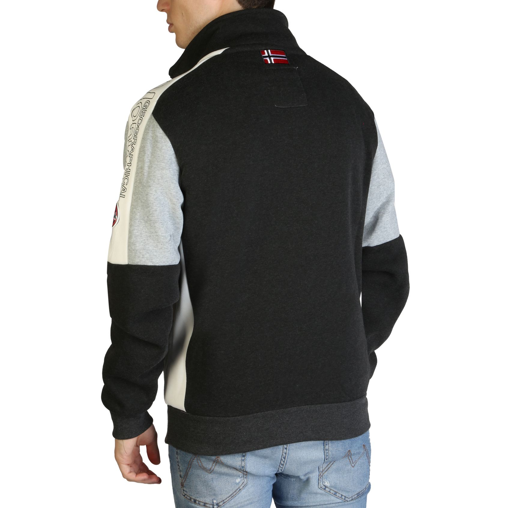 Geographical Norway – Fagostino007_man – Gris